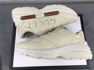 Die neue Rhyton Linie der Marke gedruckt Jahrgang? Trainer? Sneaker ist ein Paar von 2020 Rhyton daddy Schuhe