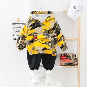 Дети Мальчик одежда Камуфляж младенца Костюм с капюшоном Camo Топ + брюки Спорт Дети Дети Outwear Детские подарки для новорожденных мальчиков Green CY200515