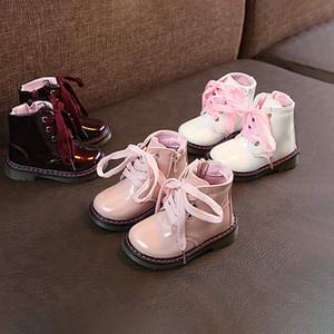 Shoes Kid Designer neve Botas Boys and Girls Marca Martin Botas Childrens Sloid Cor Lace-Up Shoes Flat Novo Estilo Moda para Crianças