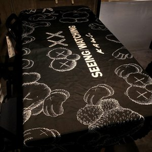 Дизайнер Luxury Tide Марка Популярная марка Скатерть Улица Сезам KAWS Таблица Мат водонепроницаемый маслостойкой Wash-Free грязеотталкивающая Black Tablec