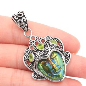 50x28mm Özel Büyük Aura Gökkuşağı Titanyum Yüz Yeşil Peridot SheCrown Hediye gümüş kolye 50x28mm