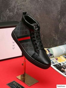 2019 Sales classic hot style black leather dress designer men shoes High quality runner shoes Banquet preferred With the box