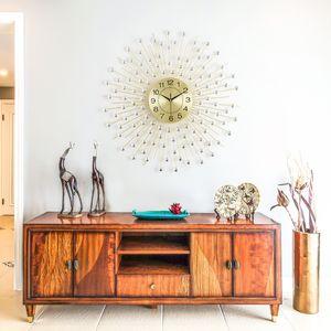 Nordic Minimalist Creative Metal Rhinestone Wall Clock Modern Home Living Room Mute Clock Fashion Decorative Quartz Clock