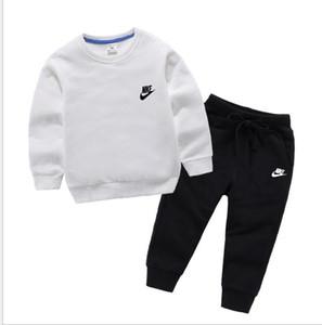 9 Farben Kleinkind-Baby-Kleidung T-Shirt + Hosen-Kind-Sportkleidung Kinder Herbst Kinder Designer-Kleidung Sätze 1-4Y Ohren Hemd