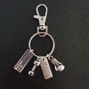 Strong Is Beautiful Strength Спорт Штанга Гантели Боксерские перчатки Charm Вес Фитнес Слово Gym Спорт Keyring Keychain Подарки