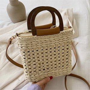 Nouvelle mode des femmes de paille sac à bandoulière Sacs à bandoulière tissées à la main Mer Vacation Designer Handbags Ladies épaule Messenger Bag