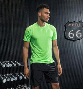 ropa de la aptitud de Ajuste a 2019 de los hombres que ejecutan tramo de ropa deportiva de manga corta de secado rápido ropa casual de la camiseta