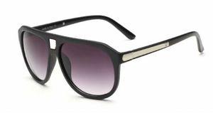 Fashion Marque UV Trend Sunglasses Designer 9018 Box Lunettes Protection de luxe Verres Couleurs Hommes 4 avec nouveau SQBBT