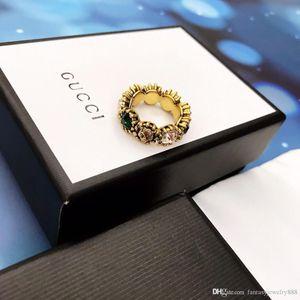 Avrupa ve Amerikan tarzı moda sıcak satış yeni parlak renkli elmas yüzük lüks özel ithal pirinç renk elmas kalın altın kaplama