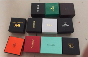 Nueva llegada caliente pendientes anillos de venta collar de cajas de embalaje de embalaje joyero pequeño cuadrado caja pequeña caja de regalo al por mayor