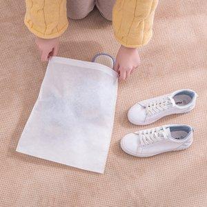 Sapatos com cordão sacos de armazenamento Travel Bag Shoes à prova de poeira sacos de compras Preto Branco Bolsa Tote Dust-proof sapatos M1756 não-tecidos