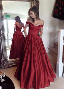 Vino Rosso di sfera Prom Dresses fuori dalla spalla in rilievo di cristallo del raso del telaio di lunghezza del pavimento rosso scuro Backless dei vestiti da sera