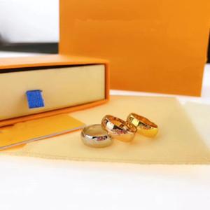 Anello Gioielli uomini e le donne del nuovo di modo dei monili 316L titanio acciaio oro rosa coppia di anello del regalo delle donne Accessori di moda