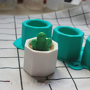 Lindo Molde de Yeso De Hormigón De Fundición De Cerámica Arcilla Craft 3 Agujeros Flor de Cactus Moldes de Concreto Taza de Silicona Moldes Suministros