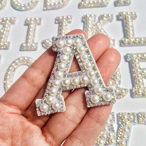 A-Z perla Strass Lettera inglese cuce sulle zone Applique 3D fatti a mano Lettere fai da te perline Patch Carino Lettera Patches