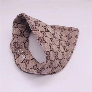 Clásico bordado de la letra de la saliva del animal doméstico de toallas INS manera de la personalidad del animal doméstico cuello Accesorios Festival encantador del encanto del animal doméstico bufanda del triángulo