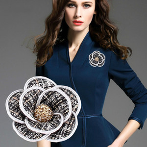 Requintados elegantes Tweed broche de camélia flor pinos de cristal Broches para Suit Mulheres Decor Wedding Pin Cabeça de Flor Vestido Decor
