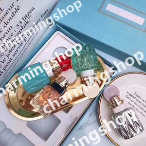 HOT Braand Échantillon de Parfum Kit MM Mini Parfums 4 en 1 Ensemble Chaque Bouteille 20 ml Parfums Parfums pour Femme Parfum Vaporisateur Livraison gratuite