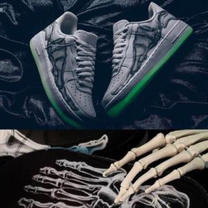 С Box One 1 Halloween 1s Скелет 1 BQ7541-100 Low QS Скелет День Всех Святых Hallows' День скейтборд обувь Mens Running обувь