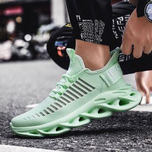 Les nouveaux hommes Sneakers Mesh respirant Homme Chaussures lacées Chaussures de course Hommes Respirant Léger Casual 2019