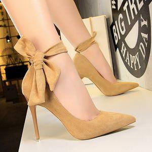 Inferior Salto Alto vermelho Mulheres Bombas Bloco Mulheres sapatos de volta Bow elegantes sapatos Shallow Stripper Plus Size Sapato Feminino