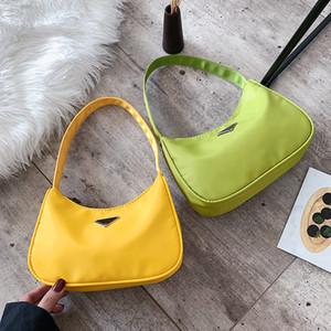 Kadın Çanta Moda Koltukaltı Küçük Kare Çanta Vahşi Katı Renk Mini Deri Çanta Omuz Baget Şekil Bolso de mano