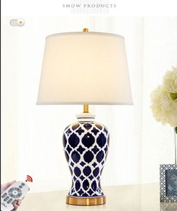 pintado a mano al estilo americano retro azul de escritorio creativo estudio de la lámpara lámpara de noche chino azul y blanco de cerámica LLFA lámpara de escritorio