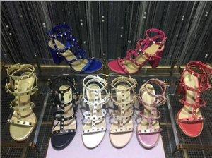En Yeni 2019 marka tasarım stili Deri Kadınlar Stud Sandalet Slingback Bayanlar Seksi Yüksek Topuklar 9.5cm Moda perçinler ayakkabılarını 8 Renkler pompaları