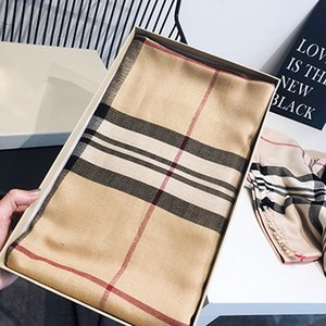 Otoño e invierno de lujo de la nueva bufanda de doble cara bufanda a cuadros de color beige mujeres mantón de la manera caliente de la cachemira Manta Bufanda y mantones con borla