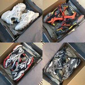 Release 4.0 Track.2 scarpa da tennis di Parigi triplicatore casuali scarpe firmate uomini Scarpe di lusso Scarpe Donna Speed Trainer 2020 vendita calda della stella del pattino