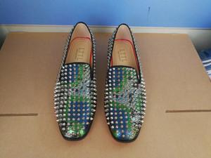 LTTL 2019 Novos Homens Spikes e Sperry sapatos Completos Do Parafuso Prisioneiro Slivers Rebites Superior Deslizamento Em Mocassins Masculinos Sapatos Runway Prom Calçado