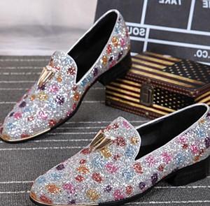 2019 New Men Мокасины Stone Шипованная обувь Bling Bling бездельник обувь Mens для курящих Тапочки отдыха Flats Red Bottom платье обувь
