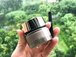 العلامة التجارية الشهيرة Suqqu Foundation Liquid Foundation Extra Rich Glow Cream 30G Japan Makeup Foundation 101 # 102 # 002 # الألوان