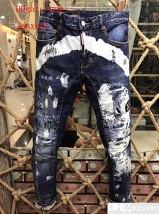 Men s Distressed Ripped Flaco Diseñador de Moda Slim Motocicleta Moto Biker Casual D2 Tide Mens Denim Pantalones Hip Hop Hombres Jeans largos D26546