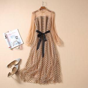 Designer 2020 Khaki Mesh-Tupfen-Stickerei-Rundhalsausschnitt Frauen Kleid Milan Runway Langarm-Druckkleid Ferien lange Kleid 031614