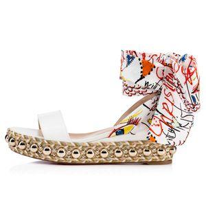 Sıcak Satış-Muhteşem Kırmızı Alt Levanten 60mm Beyaz Rugan Kadınlar Kama Sandal Altın Çıtçıt Graffiti Bilek Kayışı Gladyatör Sandalet