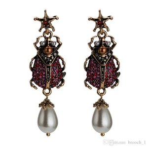 EuropeanFashion Women girls brinco Women Stud Earings trendy Crystal Cute Bee Diamond Pearl Earring For Wedding Party Women Girl 2