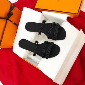 Livraison gratuite HOT 2020 Designer de luxe de femmes Gelée Sandales Mode femme pantoufles été décontracté Chaussons Tongs chaussures plates de sable