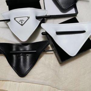 New Triangle Hairpin en cuir d'arrivée avec timbre Lettre Cuir Noir Blanc Hairpin de haute qualité Accessoires cheveux Party cadeau