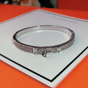 حار قفل أساور الذهب أساور المرأة الشرير لأفضل هدية فاخرة حزام أعلى جودة المجوهرات سوار من الجلد التوصيل المجاني الأزياء