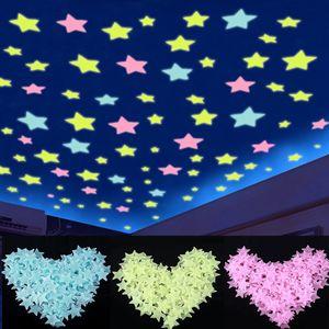 Luminosas calcomanías forma de estrellas 3 cm del resplandor en el dormitorio sofá oscuro fluorescentes PVC Wall Stickers 100pcs / pack OOA8134