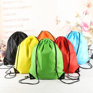 19 colori coulisse Tessuto non tessuto Sacchetto piegante portatile impermeabile Zaino fascio tasca spalla Shopping Bag sacchetti di immagazzinaggio BH2191 CY