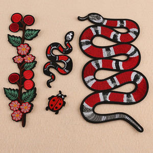 Компьютерная вышивка патч паста змея животных европейской и американской популярной одежды багажные принадлежности трансграничные для вышивки наклейки