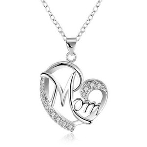 Carta de la manera MOM Forma de corazón con incrustaciones de cristal colgante collar Regalo del día de madre Joyería de alta calidad Popular en Europa y América