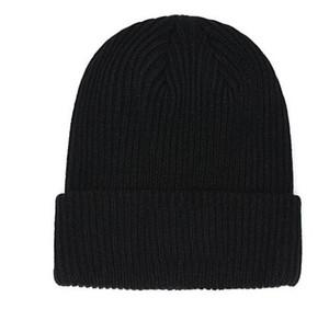 패션 m0ncIerr 럭셔리는 보닛 여성 캐주얼 뜨개질 힙합 Gorros 두개골 비니 겨울 캐나다 남성 여성 캐주얼 아웃 도어 모자 모자 디자이너