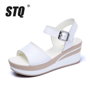 STQ 2020 blanca plana talón de cuñas de verano Mujeres punta abierta de la plataforma Sandalias de las señoras sandalias de gladiador 8626 MX200407