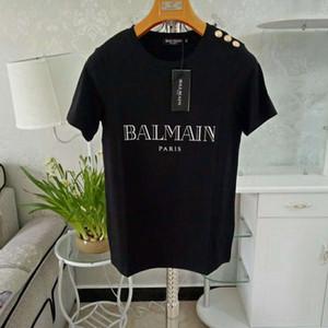 Mens Womens Designer Tshirt avec Bouton Solide Couleur Été Marque Top Tee Couple Vêtements de Luxe de Haute Qualité XS-2XL