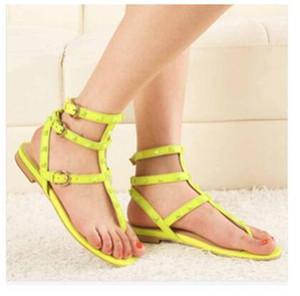 Hot Sale Color Rivets Spiked Gladiator Flat Sandals Stones Studded Flip Sandal Big Size Designer Women's Cheap Shoes Summer