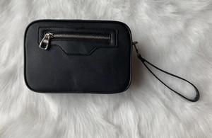 2020 de alta qualidade mulheres bolsa vaso sanitário curso homens novo designer de moda cosméticos organizador compo o saco famoso bolsa de higiene marca clássica
