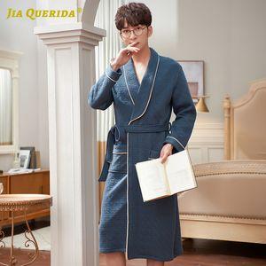 Collar Resorte Nueva kimono Albornoz para hombre de manga larga de la curva descendente del bolsillo de 3 capas 100% Algodón + poliéster acolchado azul hombres de lujo Batas